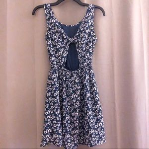 DIVIDED H&M Floral Chiffon Bow Back Dress 4 EUC
